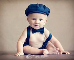Navy Linen Cotton Blend Newsboy Cap, Bow tie, Shorts, and Suspenders Set This set, made of all natural fibers in a linen/cotton blend in a Baby Suspenders, Cake Smash Outfit Boy, Baby Boy Suit, Ring Bearer Outfit, Baby Shoes Pattern, Baby Boy Cakes, Easter Outfit, News Boy Hat, Boy Photos