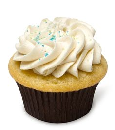 Cookie Cutter – A moist vanilla almond cupcake topped with mouth-watering cookie dough buttercream and colored sugar sprinkles. A taste reminiscent of a frosted holiday sugar cookie!
