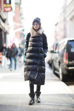 Winter Outfits Be in Fashion Winter Wear, Autumn Winter Fashion, Magazine Vogue, Long Puffer Coat, Langer Mantel, Love Fashion, Womens Fashion, Mode Outfits, Fashion Outfits
