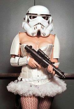 Sexy Stormtrooper : https://plus.google.com/u/0/photos/105155218494955001126/albums/5969333489447314849/5969333488781338818?sqi=105293481108015270231&sqsi=ba0d4049-525e-4a5d-beec-bcaaf4face77&pid=5969333488781338818&oid=105155218494955001126   eban