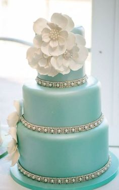 Wedding cake idea; Featured Photographer: Claire Marika Photography
