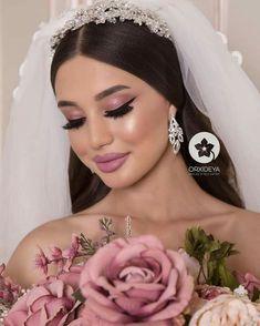 A beautiful bridal portrait. A beautiful bridal portrait. Bridal Make Up, Wedding Make Up, Dream Wedding, Perfect Wedding, Romantic Wedding Hair, Wedding Fair, Bridal Hair Updo, Wedding Hair And Makeup, Wedding Makeup Looks