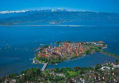 Follow  بودينسي مع جزيرة مايناو. بحيرة البودينسي Bodensee المطلة على ثلال دول تعتبر جنة حقيقية للرحلات السياحية والترفيهية. حيث تعتبر ثالث أكبر بحيرة في اقرأ المزيد