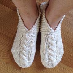 Wool Socks, Knitting Socks, Knitting Ideas, Slipper Socks, Slippers, Knit Crochet, Villa, Dance Shoes, Ballet