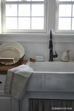 Farmhouse kitchen sink,  Ironstone Soap Dish