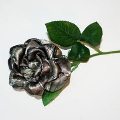 Long Stem HTC Camo Rose!!!!!  Great for any camo themed wedding or event.  This HTC camo rose is just what you need for your camo wedding, rustic wedding, or to decorate something special. Each...@ artfire