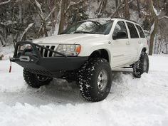 Jeep Grand Cherokee WJ - For years WJ Grand Cherokee owners have been looking to fit oversized tires to their Jeeps.