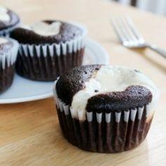 Chocolate Cream Cheese Cupcakes | foodraf