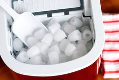 Igloo Portable Countertop Ice Maker // My Holiday Entertaining Sanity Saver