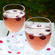 Raspberry White Wine Spritzer by oldcook
