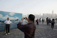 Y si, fue a Shangai y se tomó la foto. Aunque no pudo ver la ciudad...