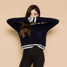 chuu - Round-Neck Stripe-Trim Knit Top