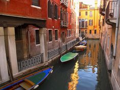 Discover Beautiful Cities of the World: 18 Beautiful Photos of Italy with Information..