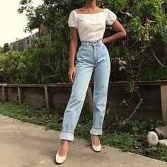"""8bedefe4fdb2 Masha on Instagram  """"Light wash vintage 80s Levi s 512 available on  depop  in sz 26 ( 98 +shipping) DM for purchasing and details!"""""""
