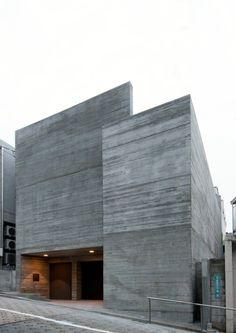 Nuovo minimalista Architecture in linea Concrete Architecture, Modern Architecture Design, Facade Design, Futuristic Architecture, Residential Architecture, Exterior Design, Interior Architecture, House Design, Architecture Images