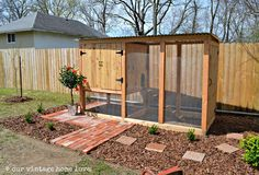 chicken coop -- This blog has everything vintage for a perfect vintage farmhouse look