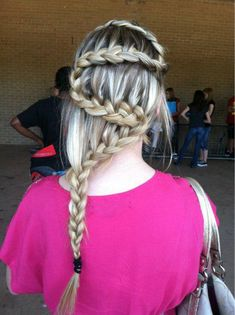 would never wear but looks cool Cool Braids, Braids For Long Hair, Amazing Braids, Braid Hair, Plaits Hairstyles, Pretty Hairstyles, Amazing Hairstyles, Everyday Hairstyles, Girl Hairstyles