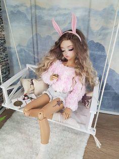 Miniature garden swing doll swing doll furniture BJD MSD furniture diorama roombox  dollhouse Beautiful Barbie Dolls, Pretty Dolls, Doll Crafts, Diy Doll, Baby Doll Furniture, Dollhouse Furniture, Miniature Furniture, Barbie Fashionista Dolls, Doll Clothes Barbie