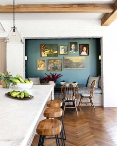 ✔️ 74 models beautiful design dining room kitchen wide open floorplan light and bright home interiors 31 Style At Home, Accent Wall Colors, Teal Accent Walls, Teal Accents, Rustic Kitchen Design, Farmhouse Design, Kitchen Designs, Farmhouse Decor, Tadelakt
