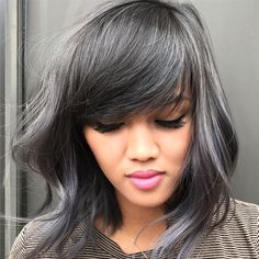 ONESHOT color melt finalist Hai Tran ( owner of Hai Salon in Wichita, Kan., is a master at lush colors and silky, polished styles. He's also highly skilled at major transformations (… 490188740693626666 Pelo Color Ceniza, Silver Ombre Hair, Dark Silver Hair, Blue Grey Hair, Grey Hair With Bangs, Metallic Hair Color, Lilac Hair, Pastel Hair, Green Hair