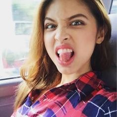 Maine Mendoza: This girl's attitude is all Allegra, and she's cute as a button, too. Maine Mendoza, Alden Richards, Girl Attitude, Better Half, Theme Song, Girl Crushes, Beautiful Celebrities, Film Festival, Singer