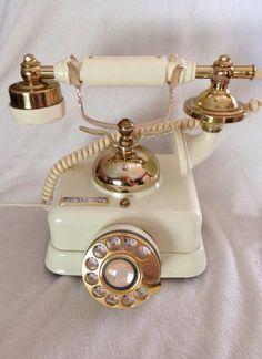 https://www.etsy.com/listing/199836615/vintage-rotary-phone