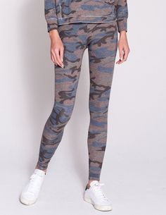 2be6951e93252 10 Best camo yoga pants images | Camo clothes, Camouflage clothing ...
