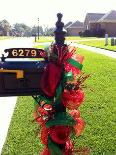 Christmas Deco Mesh Mailbox Swag, Traditional Red and Green Christmas Open House, Christmas Swags, Noel Christmas, Christmas Items, Outdoor Christmas, Holiday Wreaths, Holiday Crafts, Holiday Fun, Mesh Wreaths