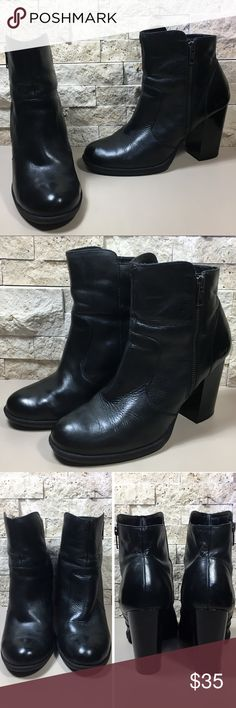 Born Black Leather Ankle Boots Great preloved condition, some type of pet hair inside in the lining, some minor scuffs and scrapes, please see photos. f1188 Born Shoes Ankle Boots & Booties