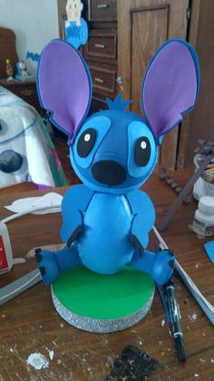 Diy And Crafts, Crafts For Kids, Paper Crafts, Stitch Cake, 22nd Birthday, Diy Sewing Projects, Lilo And Stitch, Balloon Decorations, Balloons