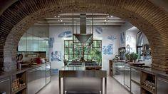 Aristokratisk kjøkken med BlueWillow fliser fra #Bardelli #Ceramicabardelli 😍 #norfloor #fliser #design #oppussing #italiensk #bad