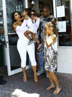Kim Kardashian Photos Photos - The Kardashian clan was spotted taking a shopping trip in Miami, Florida on April 23, 2016. The super star family are currently enjoying a Florida getaway. - The Kardashians Go Shopping in Miami