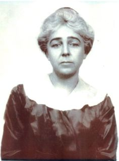 First-class titanic passenger Caroline Louise Endres was the nurse to Mrs. Madeleine Astor. She survived the sinking and went on to continue her nursing career.