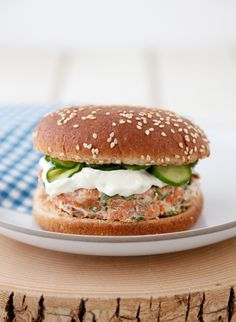 Family Favorite Salmon Burgers with Quick Pickled Cukes on Weelicious