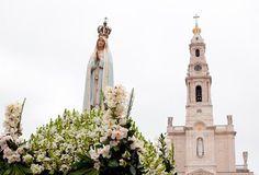 Imagem peregrina de Nossa Senhora de Fátima entronizada hoje no Santuário Nacional de Aparecida