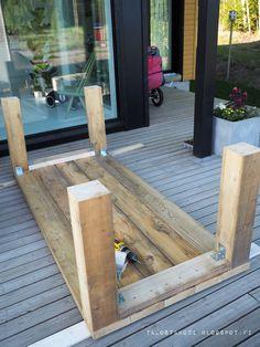 Patio Diy, Diy Outdoor Table, Diy Table, Outdoor Dining, Outdoor Decor, Outdoor Farmhouse Table, Diy Picnic Table, Patio Tables, Wood Projects