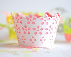 Broderie cupcake case, via Flickr.
