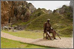 Lagos de Covadonga: Monumento al Minero