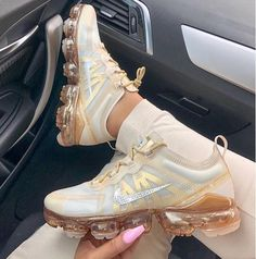 Shop Women's Nike Cream Gold size 10 Sneakers at a discounted price at Poshmark. Description: In excellent condition, authentic nike Air Vapormax Sold by goddessgarden. Moda Sneakers, Cute Sneakers, Sneakers Nike, Yeezy Sneakers, Nike Flats, Nike Heels, Nike Wedges, Nike Sandals, Chanel Sneakers