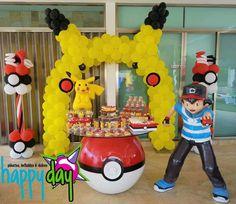 Mesa de dulces Pokemon.