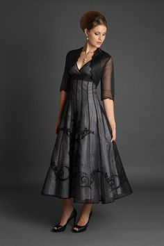 Dresses and two piece outfits for the Mother of The Bride / Groom - Li Mob Dresses, Tea Length Dresses, Fall Dresses, Evening Dresses, Fashion Dresses, Summer Dresses, Mother Of The Bride Dresses Long, Mother Of Bride Outfits, Mothers Dresses
