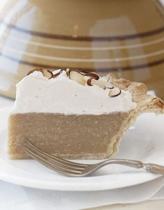 9 of the Best Cream Pie Recipes You'll Ever Taste Butterscotch Pie Holiday Pies, Holiday Desserts, Easy Desserts, Delicious Desserts, Yummy Food, Christmas Pies, Healthy Food, Best Dessert Recipes, Sweet Recipes