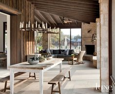 A Texas Hill Country Getaway Connects to the Outdoors