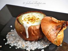 Cipolla cotta nel sale e farcita della sua crema