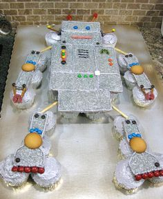 How to make a (cute!) robot birthday cake