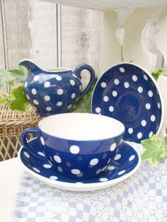 Pretty blue polka dot dishes!