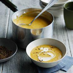 Découvrez la recette soupe au chou-fleur, carotte et cumin sur cuisineactuelle.fr.