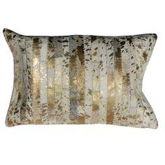 Lekker pute av skinn farget i glamorøst gull og hvitt med bakstykke av lin. 40 x 60cm Gull, Cow, Throw Pillows, Toss Pillows, Cushions, Cattle, Decorative Pillows, Decor Pillows, Scatter Cushions