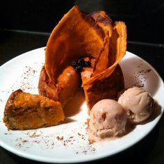 Tis the season for #pumpkins! At just 460 #calories I made this delicious little #lowcalorie #dessert with a little bit of #spice! And, it's #glutenfree! Made with #pumpkin, some #ginger #cinnamon cardamom, allspice, other spices, #wheyprotein and finally let's not forget my #cocktail of #bobsredmill flours! Perfect with #almondicecream. I made the crust with a #coconut & almond meal combo. So good! Tune in for more GF cooking with me, @gfsonise.