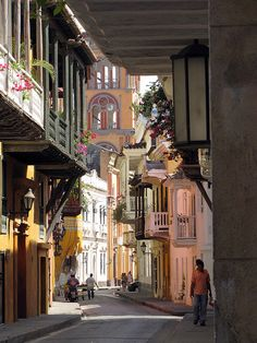 Calles La Estrella in Cartagena, Colombia (by Ambiró). by lesley Places Around The World, The Places Youll Go, Places To Visit, Around The Worlds, Beautiful Streets, Beautiful World, Belize, Puerto Rico, Wonderful Places